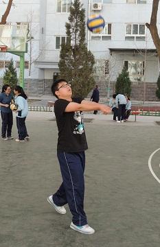 排球垫球比赛