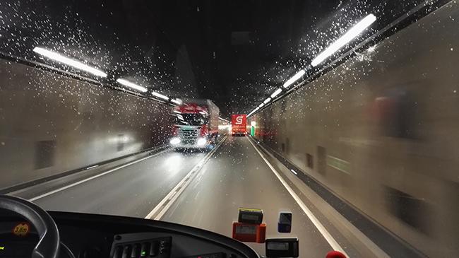 圣哥达公路隧道