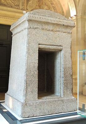 供奉欧西里斯雕像的神龛