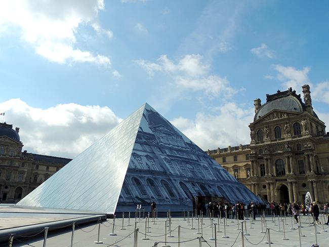 卢浮宫外景