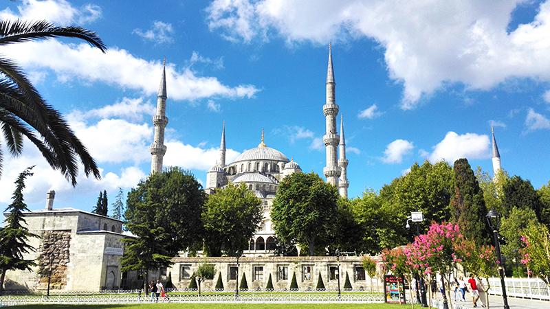 蓝色清真寺外景